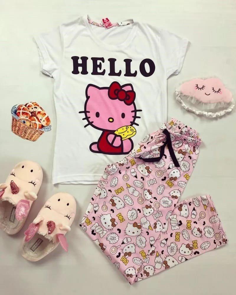Pijama dama ieftina din bumbac cu tricou alb si pantaloni roz cu imprimeu HK