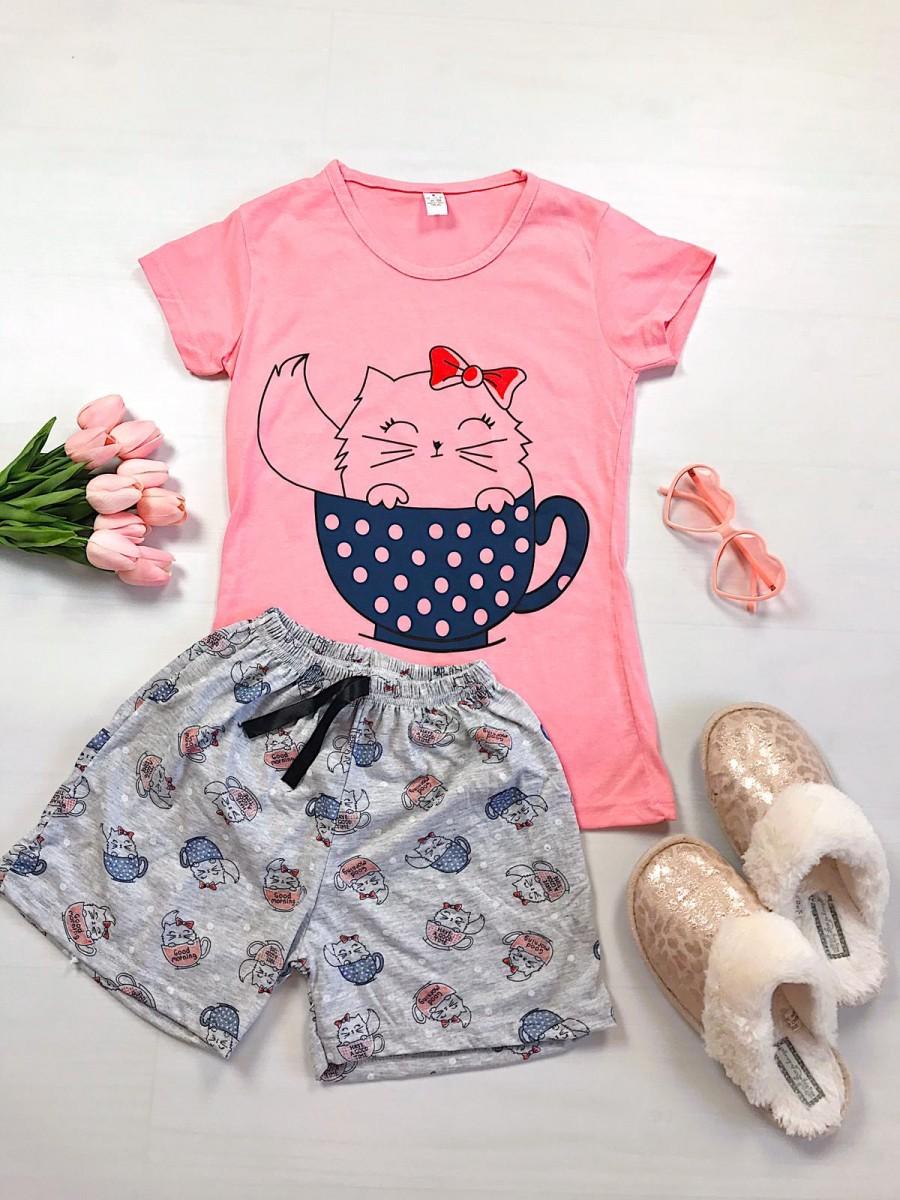 Pijama dama ieftina primavara-vara cu pantaloni scurti gri si tricou roz cu imprimeu Cat in a Cup