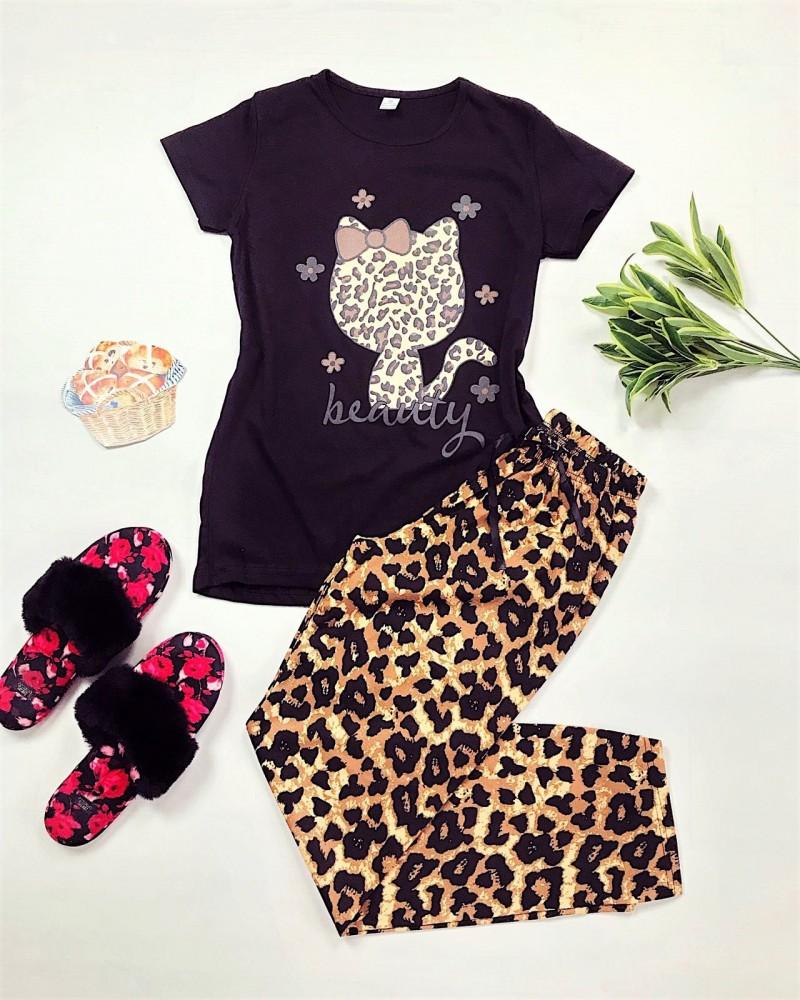 Pijama dama ieftina bumbac cu pantaloni lungi maro animal print si tricou negru cu imprimeu HK