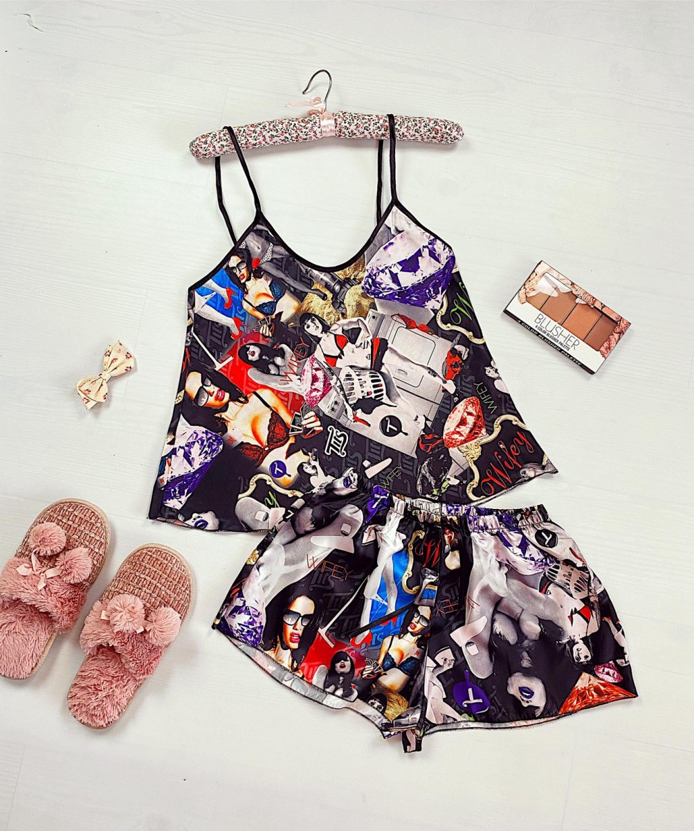 Pijama dama ieftina primavara-vara neagra din satin lucios cu imprimeu Wifey