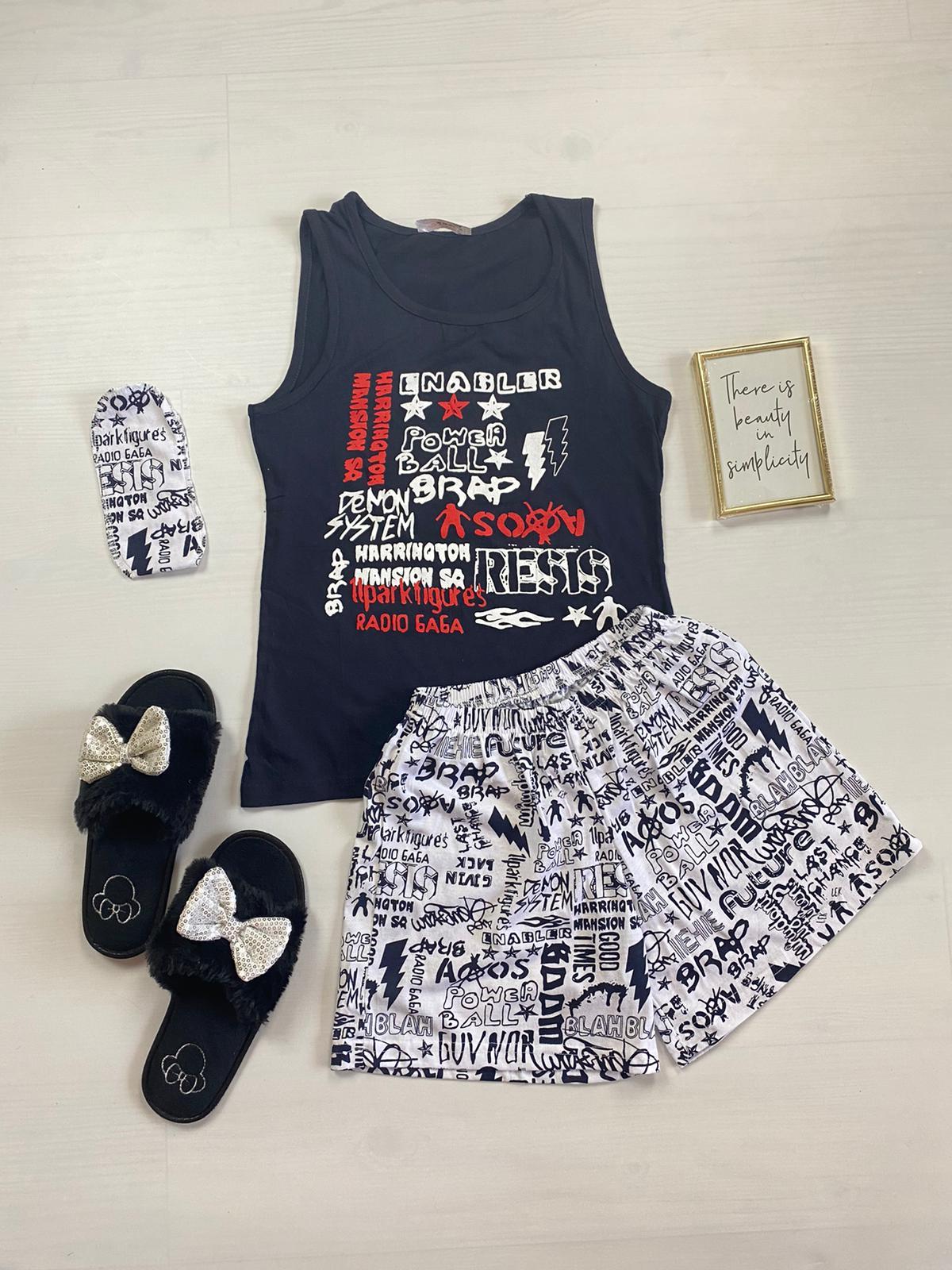 Pijama dama ieftina bumbac cu pantaloni scurti albi si maieu negru cu imprimeu Cuvinte