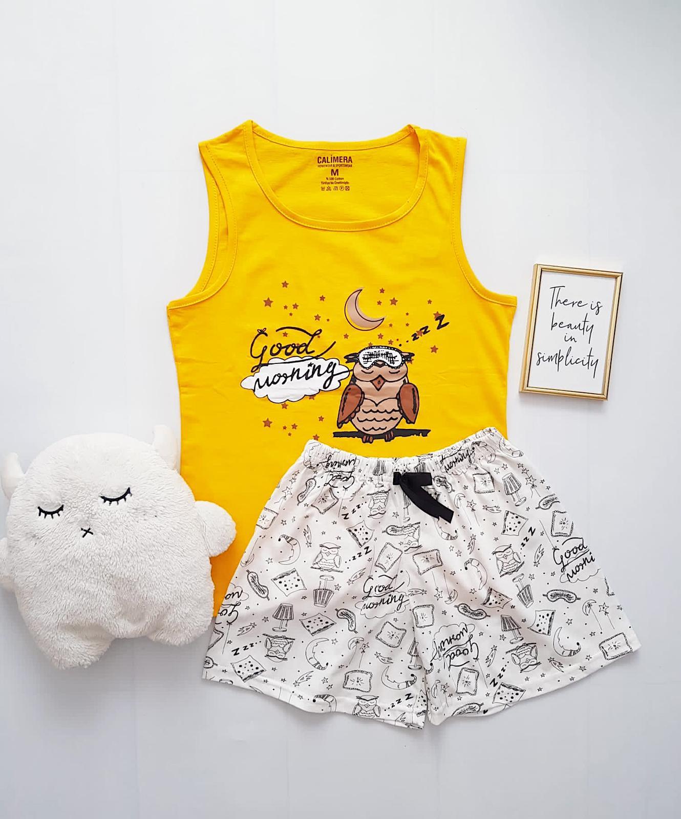 Pijama dama ieftina bumbac cu pantaloni scurti albi si maieu galben cu imprimeu Bufnita