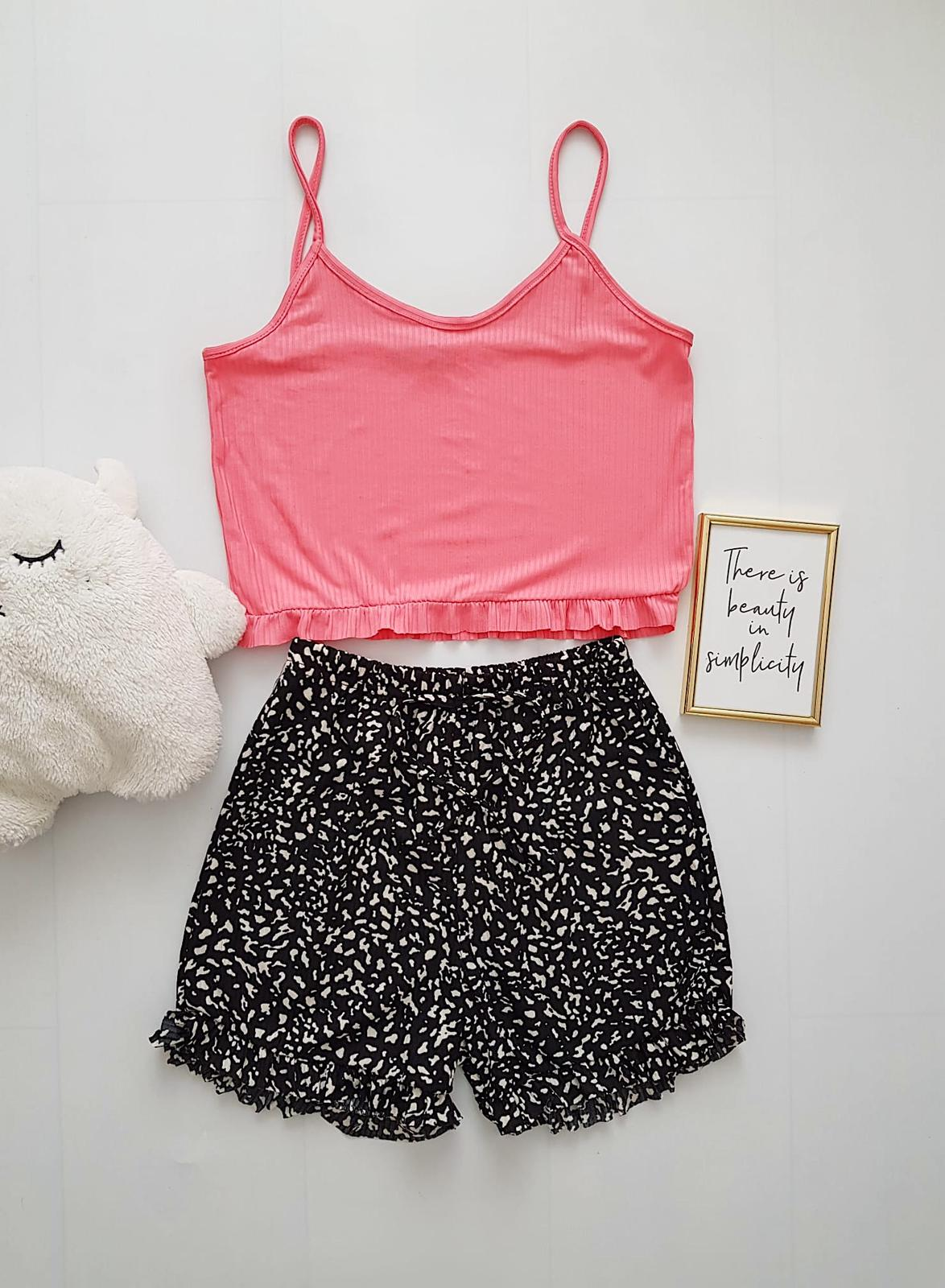Pijama dama ieftina scurta cu maieu cu volanase Combo roz + drops negru