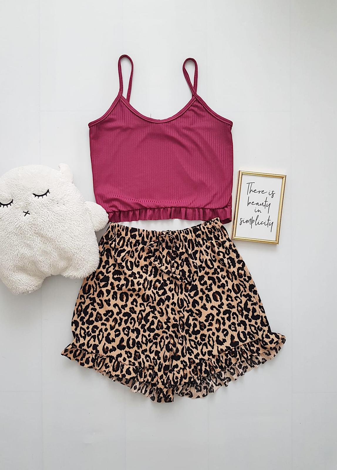 Pijama dama ieftina scurta cu maieu cu volanase Combo visiniu + animal print