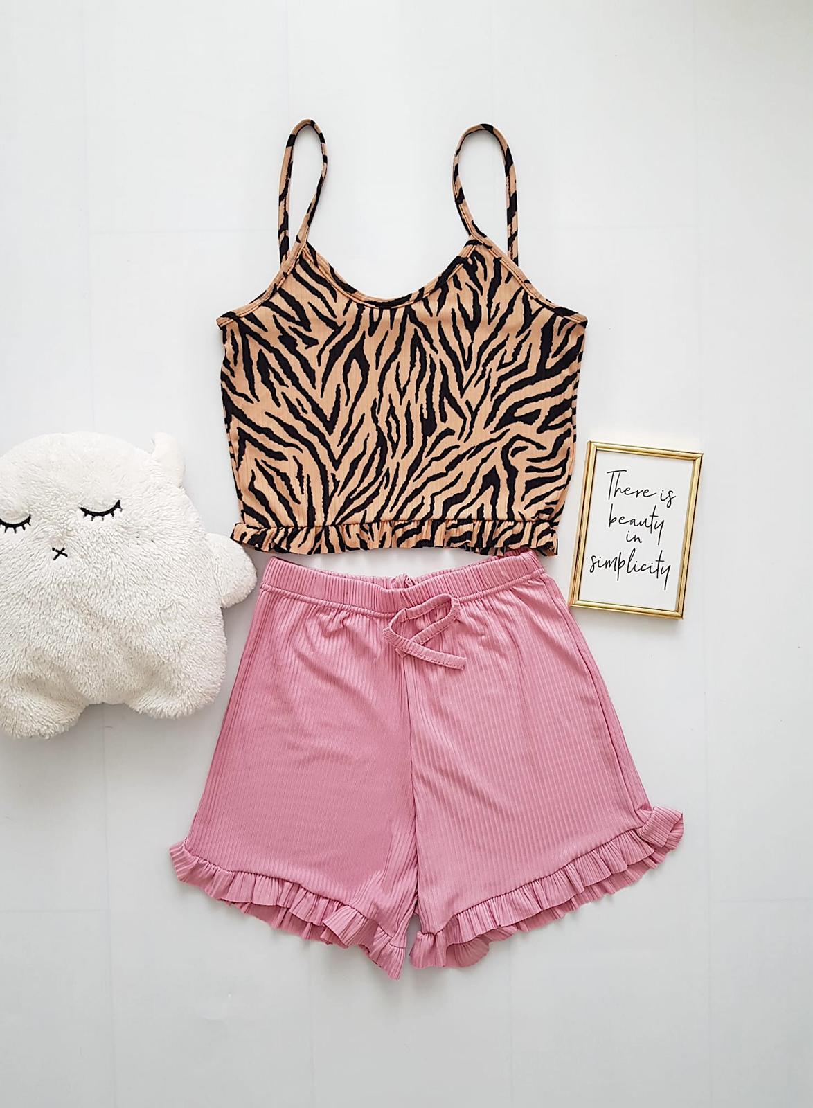 Pijama dama ieftina scurta cu maieu cu volanase Combo pete bej + roz