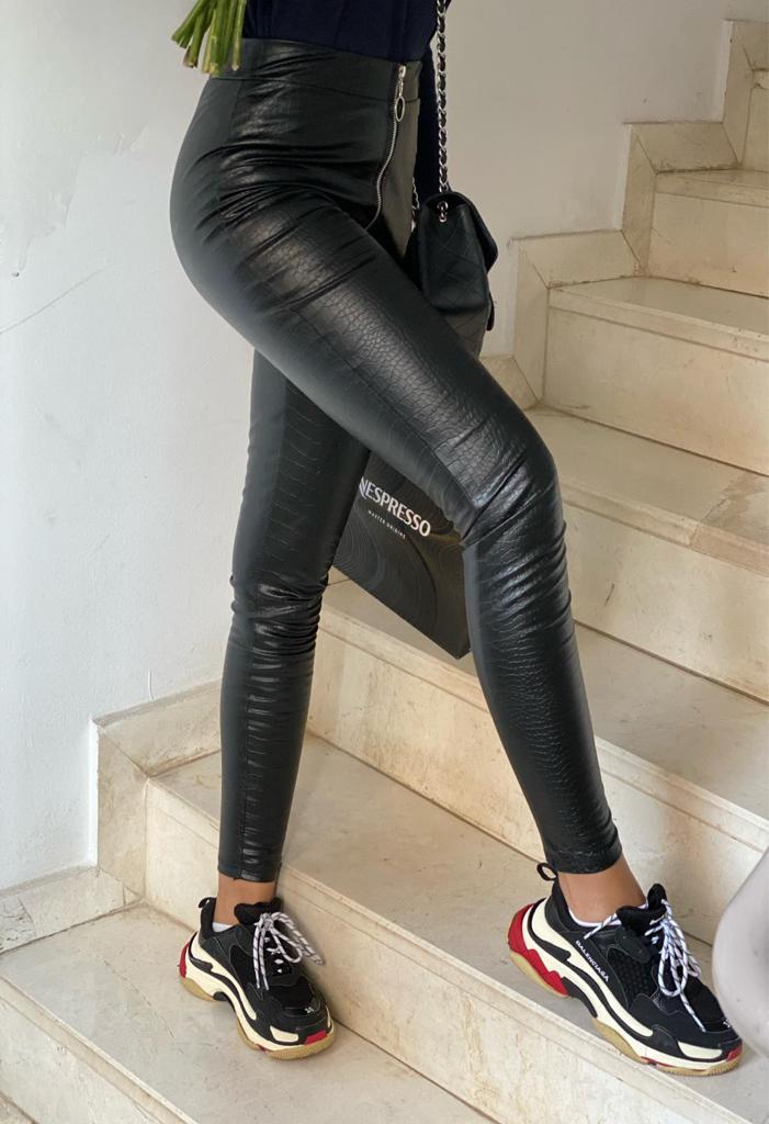 Pantaloni tip colanti dama lungi negri cu fermoar