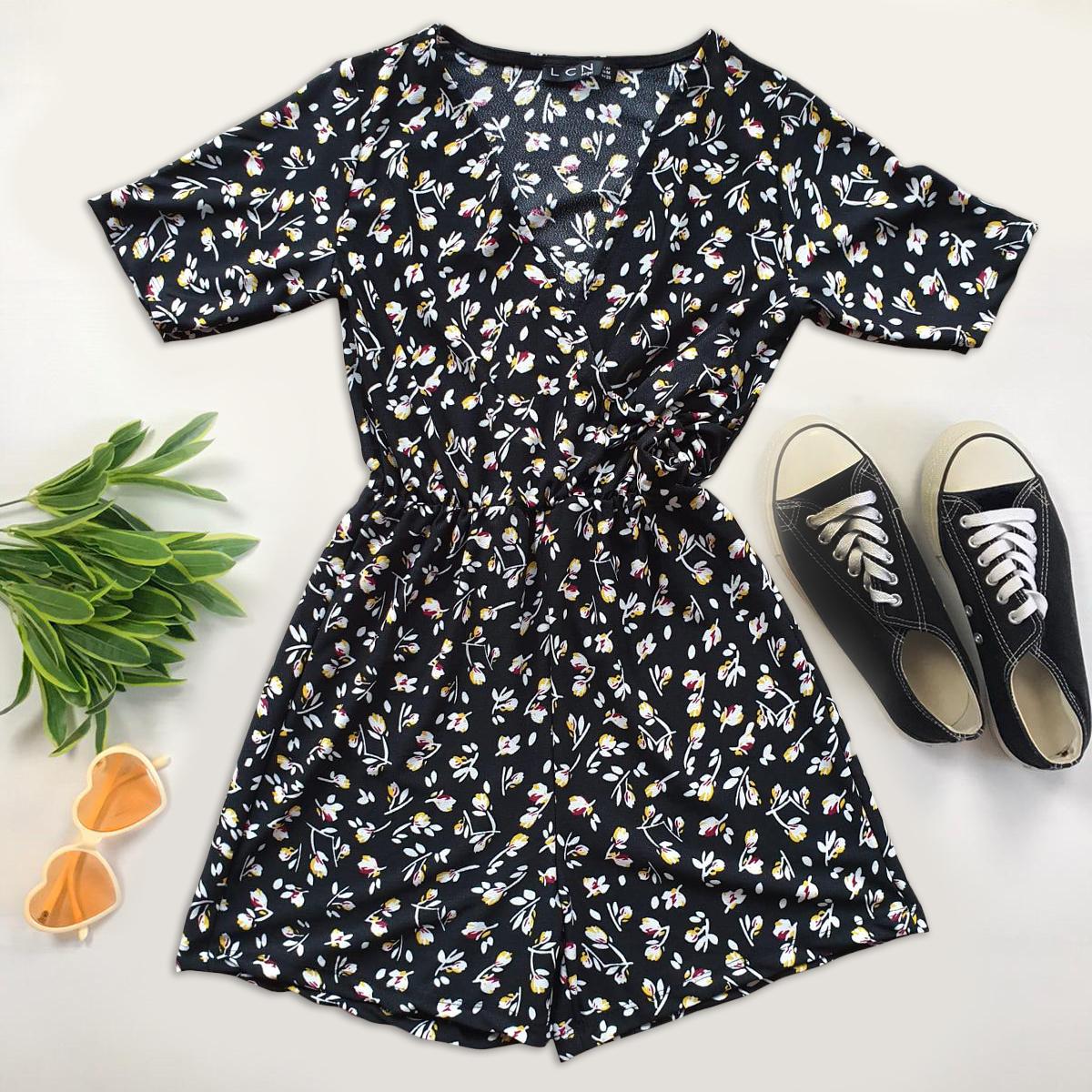 Salopeta dama casual de vara confortabila neagra cu floricele albe