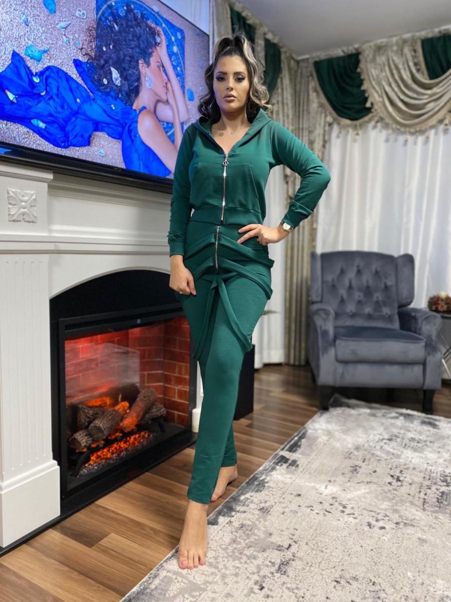 Trening dama lung verde cu hanorac si pantaloni cu bretele